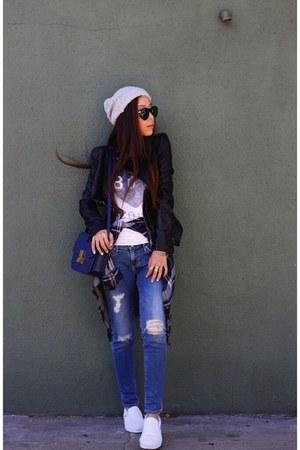ring ring - Jeans jeans - hat hat - Bag bag - sunglasses sunglasses