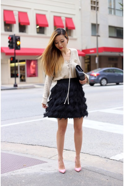 Skirt skirt - Sweater sweater - Bag bag - heels heels - brooch accessories