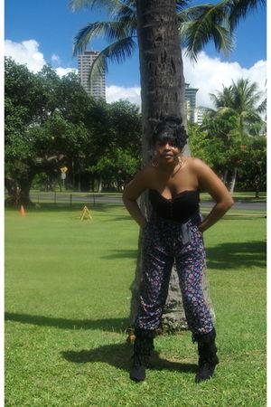 black Miss Selfridge jumper - black Charlotte Russe boots - black Forever 21 acc
