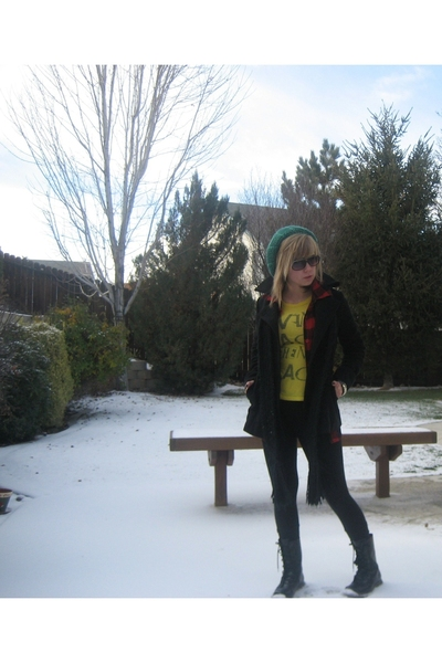 Tea jacket - forever 21 shirt - Mia boots - forever 21 hat - forever 21 scarf