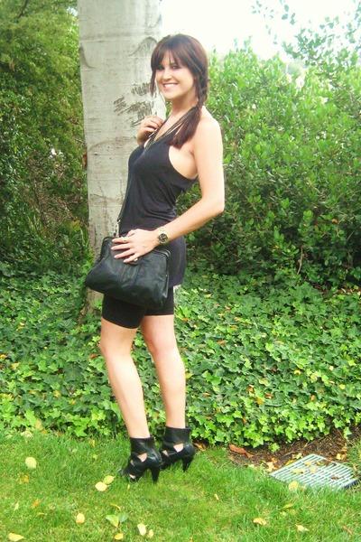 black f21 shoes - black random boutique top - black f21 shorts - black f21 purse