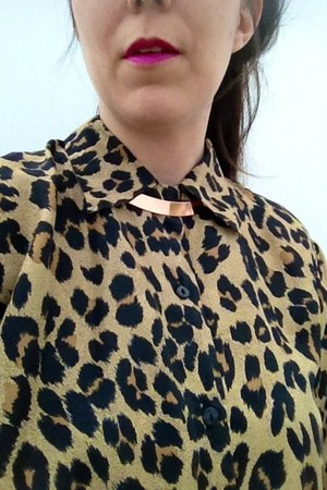 collar H&M necklace - leopard thrifted blouse