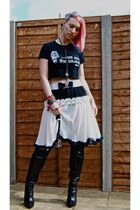 black Dolce & Gabanna skirt - black new look boots - white festival t-shirt
