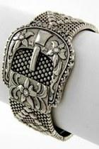 Silver-bracelet-bracelet
