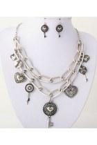 Hearts-keys-necklace