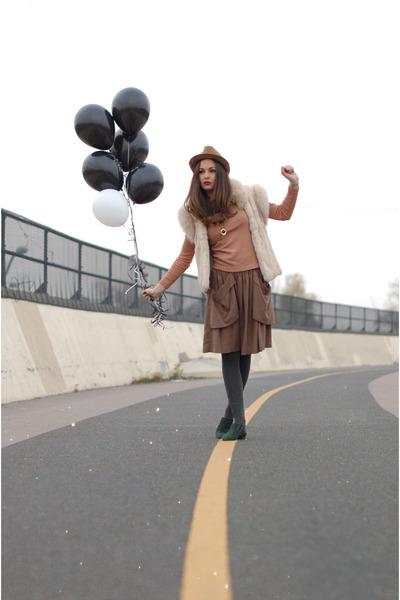 ivory vintage vest - brown full skirt Zara skirt skirt