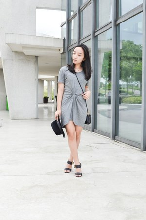 heather gray Jamsy dress - black People are People heels