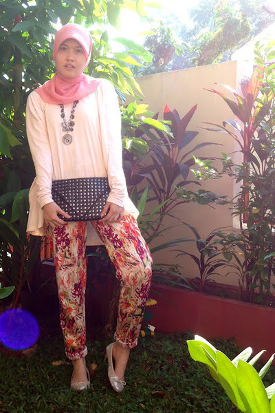 black studded Zara purse - floral print Nikicio Femme flats