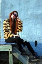 tawny faux fur Forever 21 coat