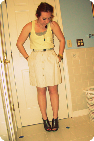 yellow hollister top - beige skirt - silver Steve Madden shoes - gold vintage ne