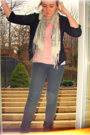 pink Gap shirt - gray Gap jeans - white lola scarf - black urban vibe blazer