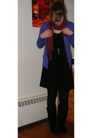 red Pashmina scarf - black thrifted dress - gold Urban Outfitters necklace - bla