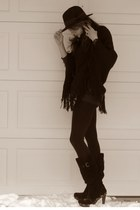 black Steve Madden boots - black leggings - black banana republic cape