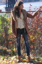 tawny vintage blazer - ivory Anthropologie sweater - blue jeans - tawny H&M shoe