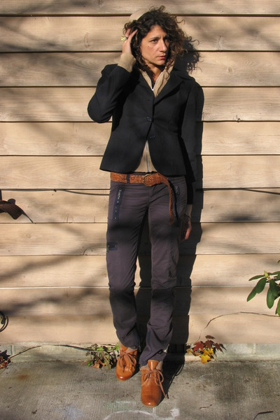navy banana republic blazer - nude Jcrew cardigan - navy pants - tawny H&M shoes