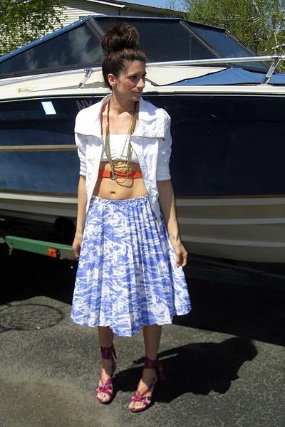 white Bebe jacket - thrifted vintage skirt - Kenneth Cole heels