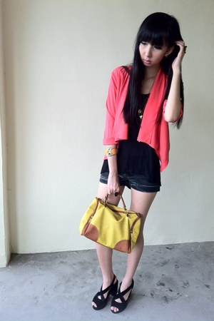 black cotton on top - coral blazer - yellow bag - dark gray shorts