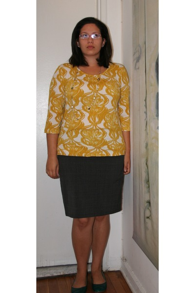 gold Dana Buchman sweater - gray AB studio skirt - green Aldo shoes - silver Tif