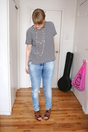 Vintage Nordstrom top - H&M jeans - Zara shoes