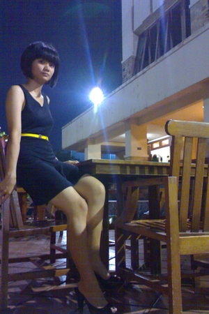 dress - belt - Heatwave shoes