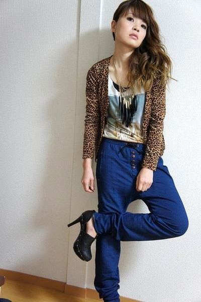 Zara pants - used cardigan - f21 necklace