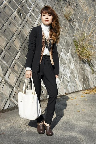 Heaven and Earth jacket - used bag - vintage blouse - used cardigan - Zara pants
