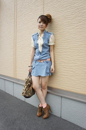 used dress - used blouse - forener21 heels