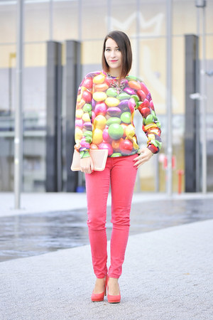 colorful Mr Gugu and Miss Go blouse - skinny jeans new look pants