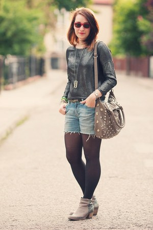 H&M shorts - Bershka blouse - rayban glasses
