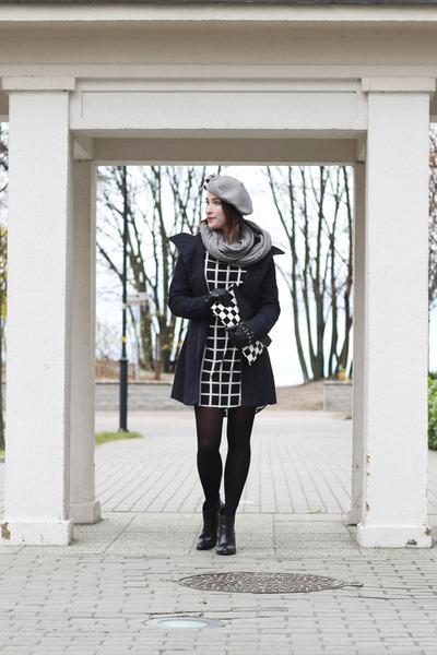 geometrical new look dress - cotton moodo coat