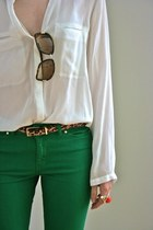 green skinny pants - white shirt - leopard print belt