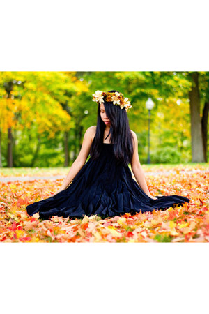 black dress - diy headpiece accessories