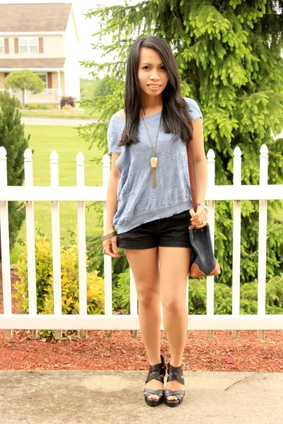 Guess top - Esprit bag - Mossimo shorts - Rampage wedges