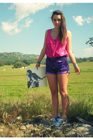 pink California Select shirt - purple shorts