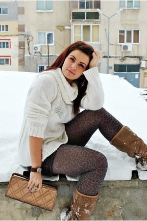 Pimkie sweater - Bershka shorts