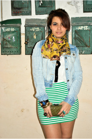 Zara skirt - Atmosphere shirt - House of art scarf - Mango purse