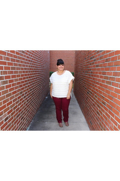 tan suade Madden Girl boots - brick red jeans - white fringed H&M top