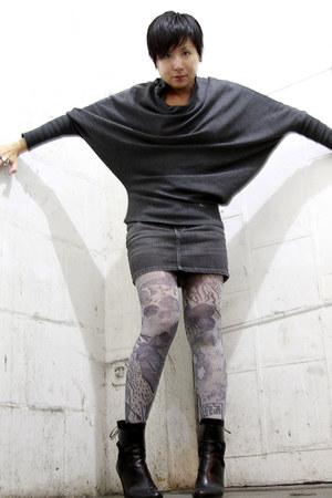Before top - we who see boots - Skunkfunk tights - YNQ skirt