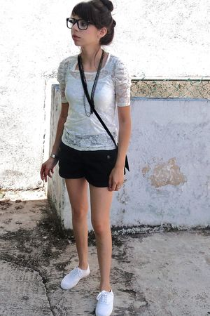 black H&M shorts - white Forever 21 top - white unknown brand shoes - black glas