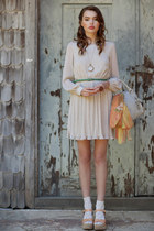 beige dress - light orange scarf - off white bag - bronze ring - nude wedges - d