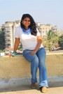 Blue-levis-jeans-white-j-c-rags-t-shirt
