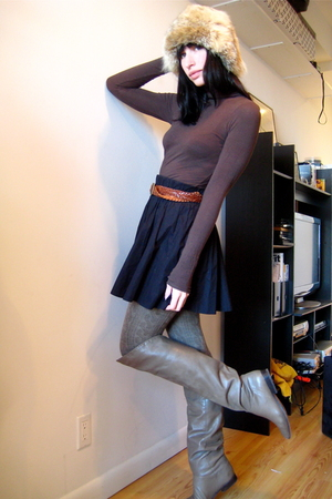 brown H&M top - brown Aldo boots - brown HUE tights - brown vintage belt - black