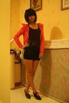 red intimate - black top - black skirt - black shoes