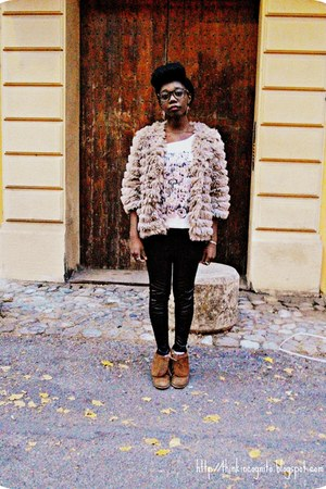 tan faux fur Thrift Store jacket - tawny pull&bear boots