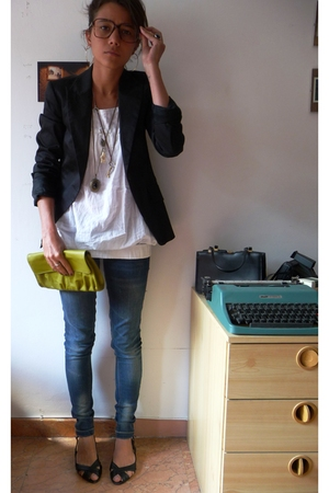 Zara blazer - pull&bear shirt - Bershka jeans - H&M purse - none shoes - vintage