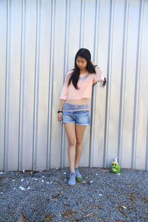 blue Zara shorts - heather gray tiger onitsuka sneakers