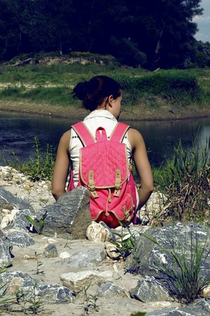 hot pink Accessorize bag - periwinkle with studs Bershka vest