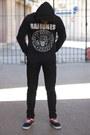 Black-zara-jeans-black-ramones-bershka-sweater