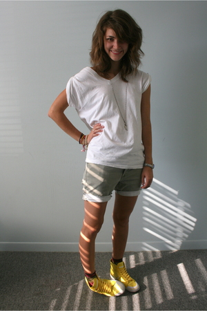 Fruit of the Loom shirt - Gap shorts - Vans shoes - volcom accessories - Forever
