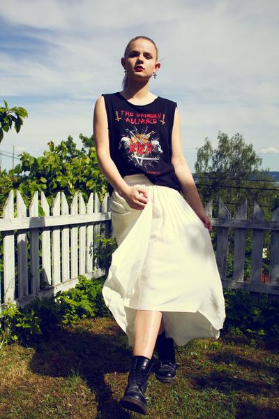 Zara skirt - Dr Martens boots